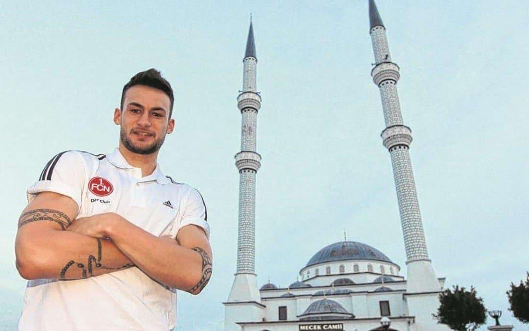 Duitse Nürnberg-speler bekeert zich tot de islam